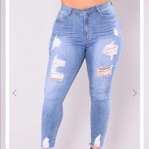 Alyse Distressed Jeans - Medium